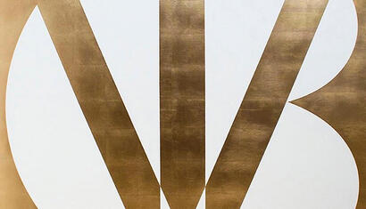 Jóse Angel Vincench Revolucion y cambio, 2019. Gold leaflet on canvas. 53.14 x 53.14 inches.
